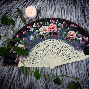 Accessories - Handpainted floral folding fan